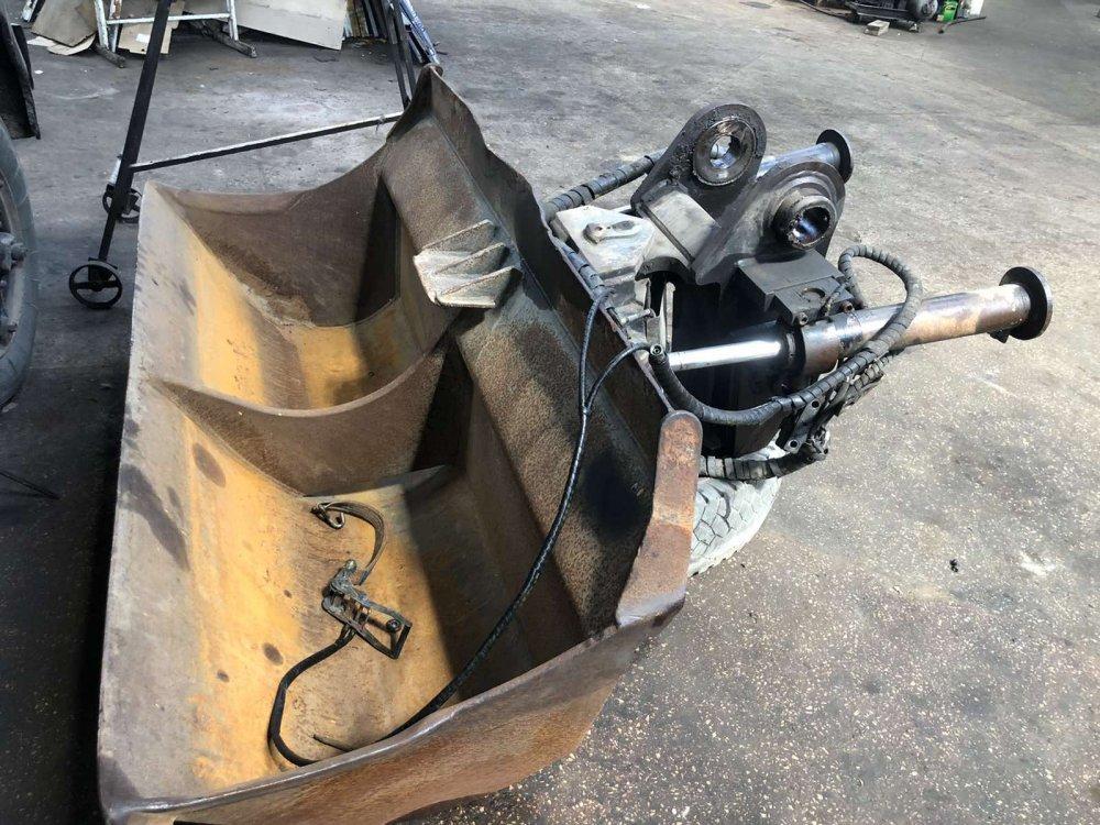 Планировочный ковш Engcon с наклонным механизмом