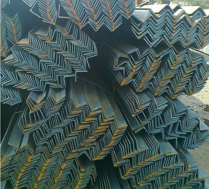 Уголок 75х75, 80х80, 90х90, 100х100, 125х125 сталь 09Г2С.