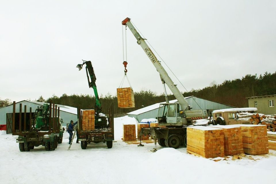 Купить Шпала 180мм x 250mm x 2750mm, сосна, ТИП 1-А. Возможен экспорт. Шпалы деревянные по самой низкой цене от производителя, купить шпалу деревянную.