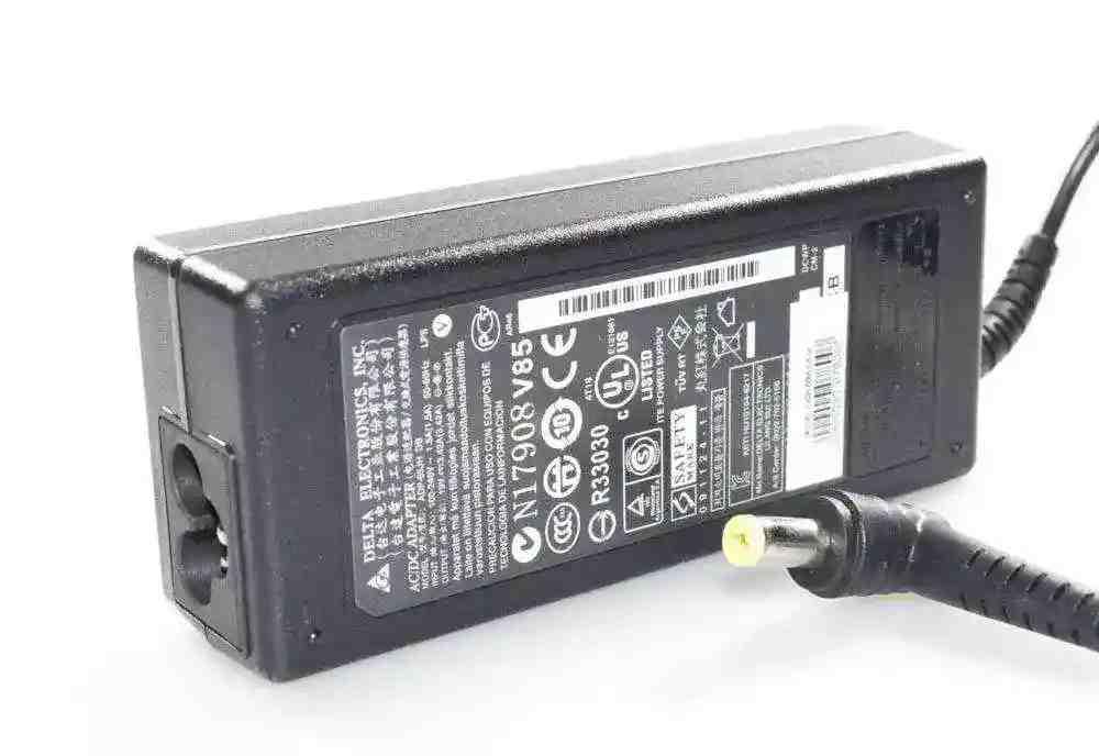 Блок питания для ноутбука Acer Aspire V5-561G 19V 3.42A 65W (5.5*1.7) Оригинал