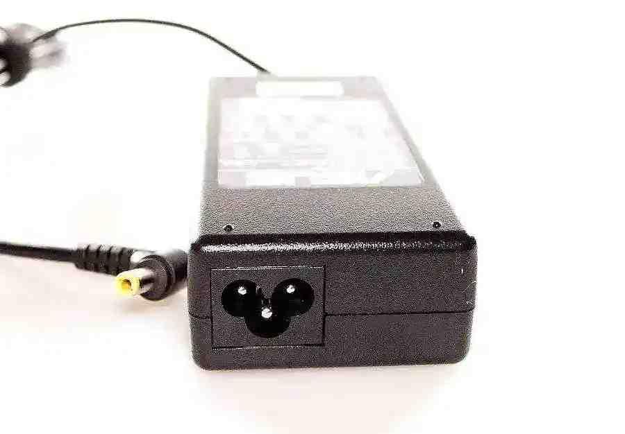 Блок питания для ноутбука MSI VR610 VR600 VR601 VR340 19V 4.74A 90W (5.5*2.5) Копия