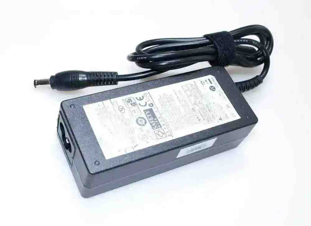 Блок питания Samsung AD-6019R 19V 3.16A 60W 5.5/3.0 конус Копия