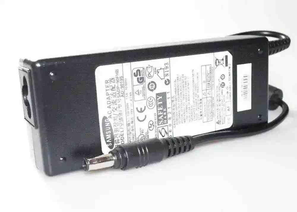 Блок питания Samsung R73019V 4.74A 90W 5.5/3.0 конус Копия