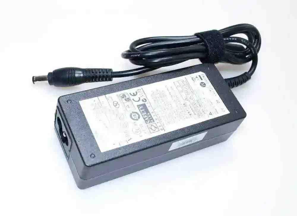 Блок питания Samsung RC53019V 3.16A 60W 5.5/3.0 конус Копия
