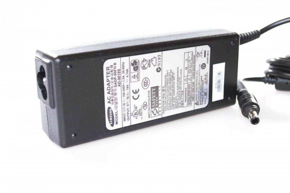 Блок питания для ноутбука Samsung R540 AD-8019 19v 4.74a 90w (5.5*3.0) Оригинал