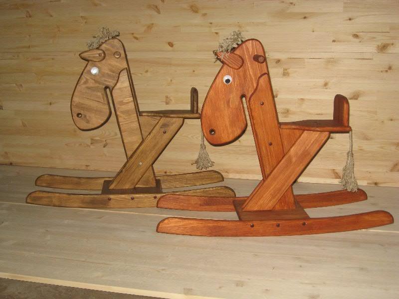 Деревянные качалки для детей