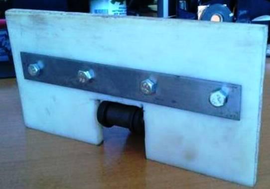 Накладки (скребки) полимерные (полиэтилен, фторопласт) цепей конвейеров и транспортеров