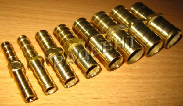 Соединитель латунный 12 мм елочка