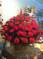 Ритуальные корзины и венки из живых и искусственных цветов