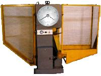 Купить Копермаятниковый типа 2011 КМ-30 для испытаний образцов из металлов и сплавов на ударный изгиб при нормальной температуре. С выдачей результатов испытаний на цифропечатающее устройство.