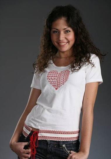 Женские футболки с вышивкой купить в Киеве dc8d1dfa51c00