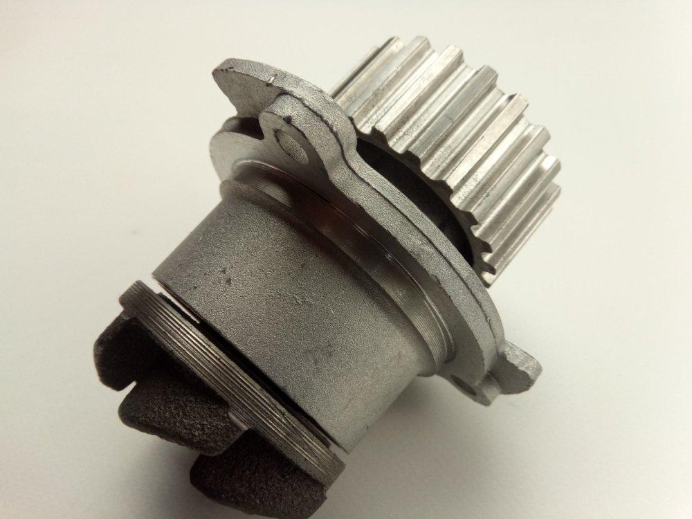 Купить Помпа ВАЗ 2108, Фенокс (HB 1001 C3) (чугун. крыльч.)