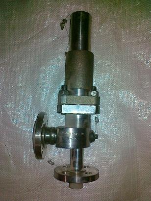 Клапан предохранительный Р-53085-015М Ду15 Ру16