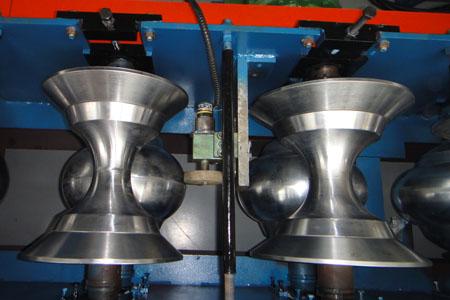 パイプの生産のための機器