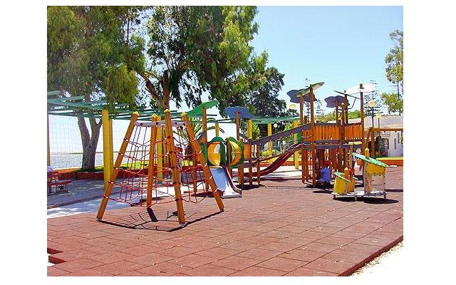 Купить Резиновое напольное покрытие для детских площадок