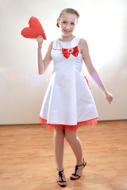 Платья нарядные подростковые