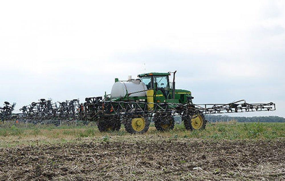 КАС-32, упаковка - налив, условия поставки - FCA ст.Журавлевка, а так же СРТ, удобрения для зерновых культур, жидкие минеральные удобрения