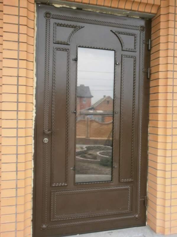 сколько стоит железная входная дверь в квартиру в можайске