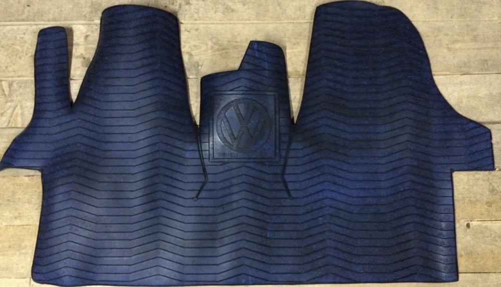 Купить Резиновый коврик Volkswagen T-5 для автобусов и микроавтобусов