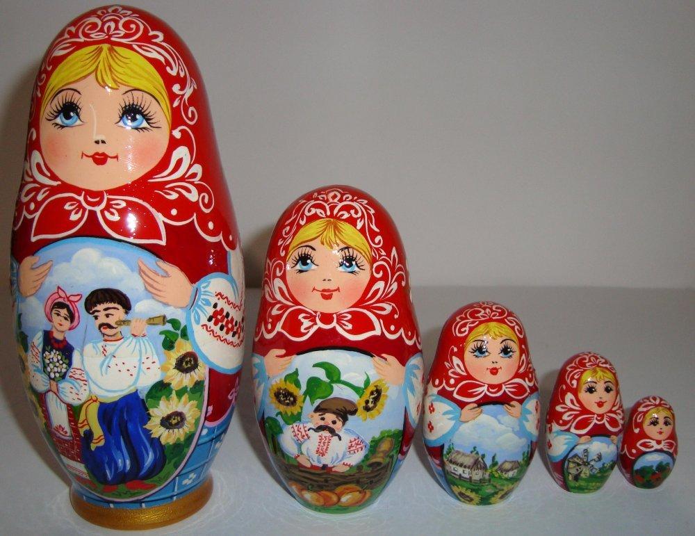 Матрёшка расписная с украинским сюжетом из 5-ти штук большая.