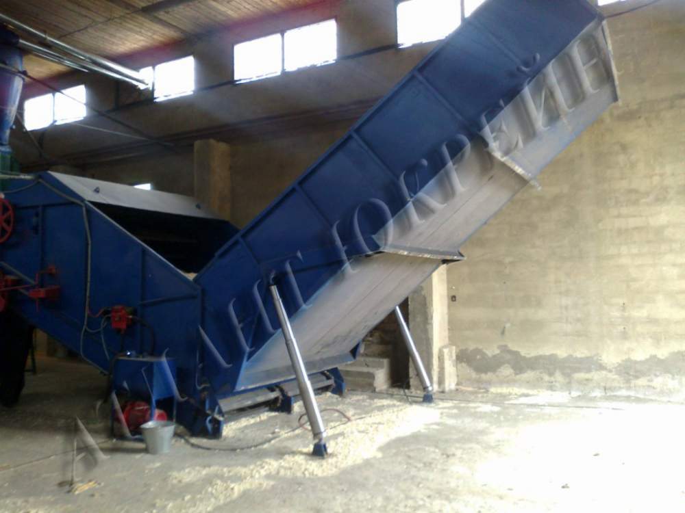 Buy The company the manufacturer offers shock and mechanical the press for biomass briquetting (sawdust, pod, plant growing waste, etc.), with a productivity of 400 kg/h. By means of a press briquettes as NESTRO are made. You can look at the description, vi