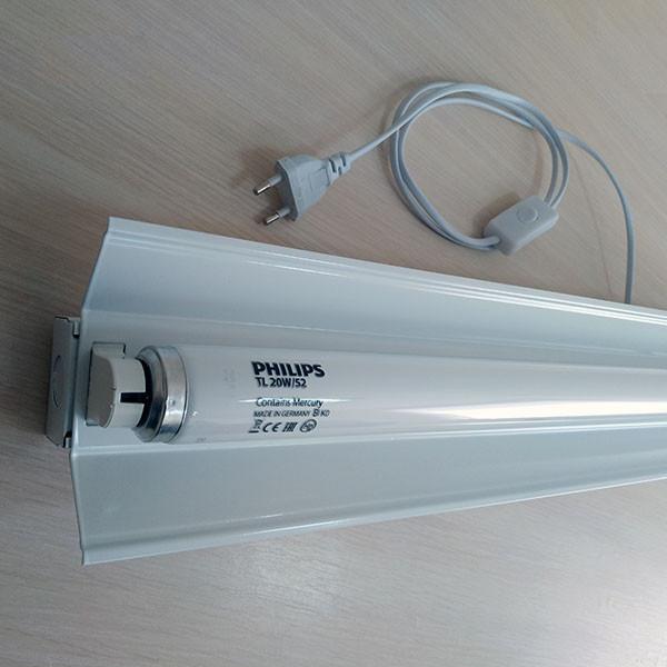 Комплект для лечения желтухи (лампа PHILIPS TL20W/52 G13 + светильник + шнур с выключателем и вилкой)