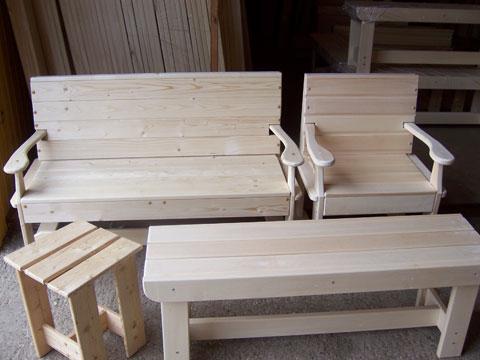 Купить Скамейки, лавки, стулья, столы из дерева.