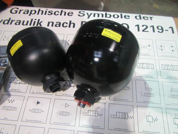 Buy The Fox hydroaccumulators from Gidravlik Lyne