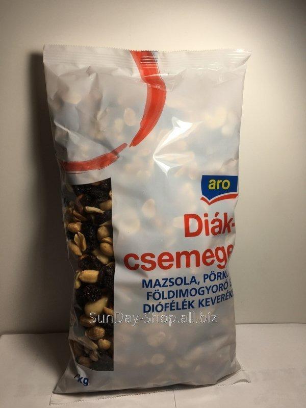 Купить Асорті горіхів ARO (кеш'ю, мигдаль, арахіс, солодкий мигдаль) з родзинками 1 кг.