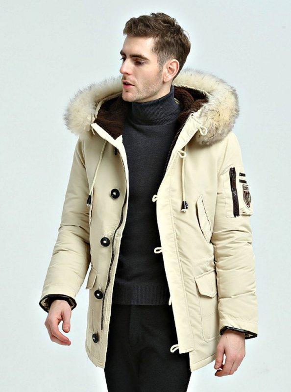 Модная мужская куртка с капюшоном на белом утином пуху.