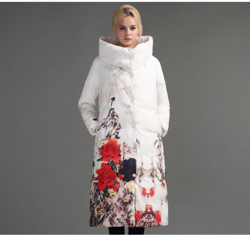 Брендовое, модное, зимние, женское пальто на молнии.