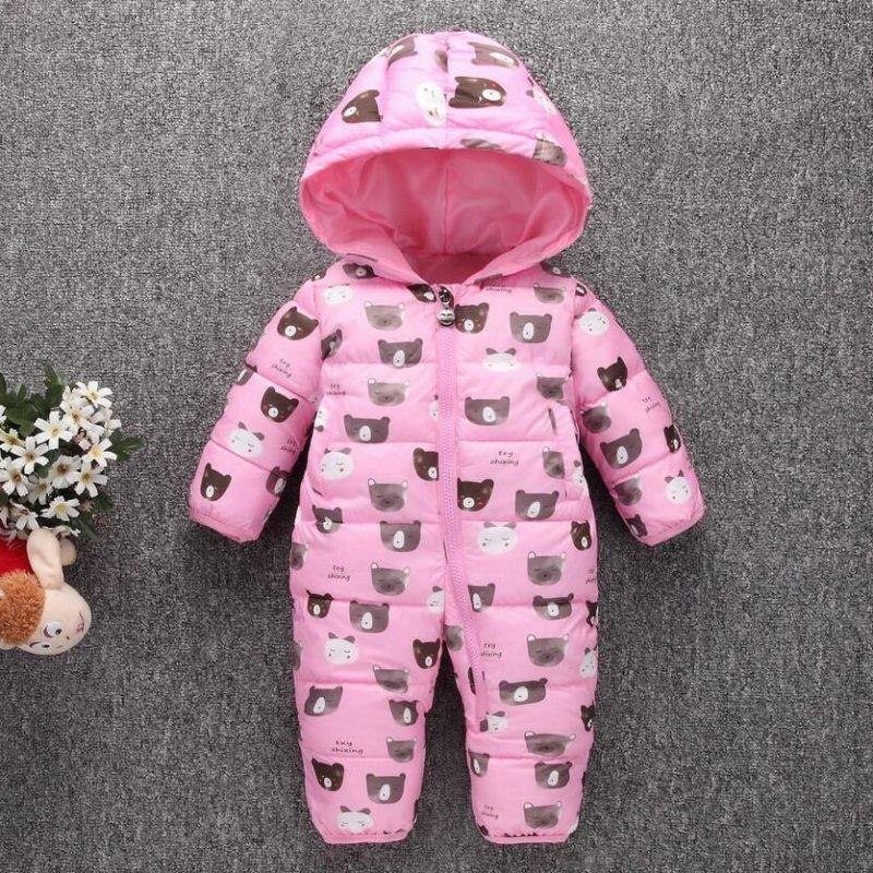 Толстый теплый зимний комбинезон для малышей.