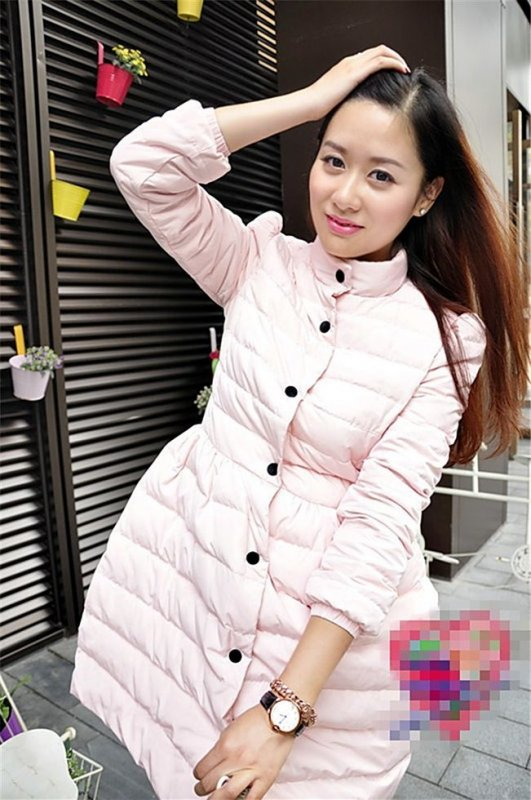 Теплая мягкая стеганая зимняя куртка для женщин.