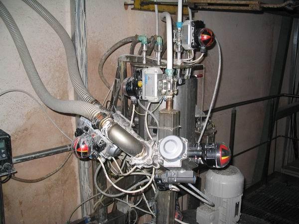 Дозатор для жидких и вязких продуктов на базе техники Фесто