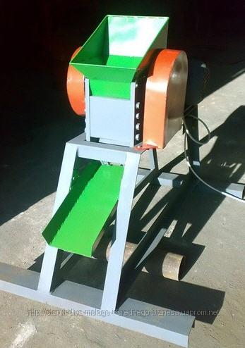 Вальцевая дробилка для дробления кусков  материалов ( мела, руды, горных пород) с твердостью не более 3 5 по Моосу