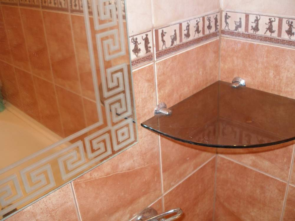 Купить Влагостойкое зеркало в ванную. Нанесение пескоструйного рисунка на зеркала