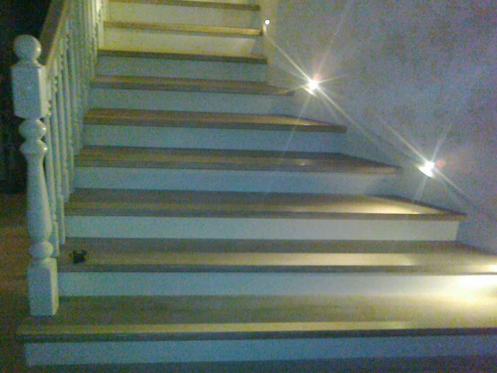 价格木质螺旋梯子 在 世界市场