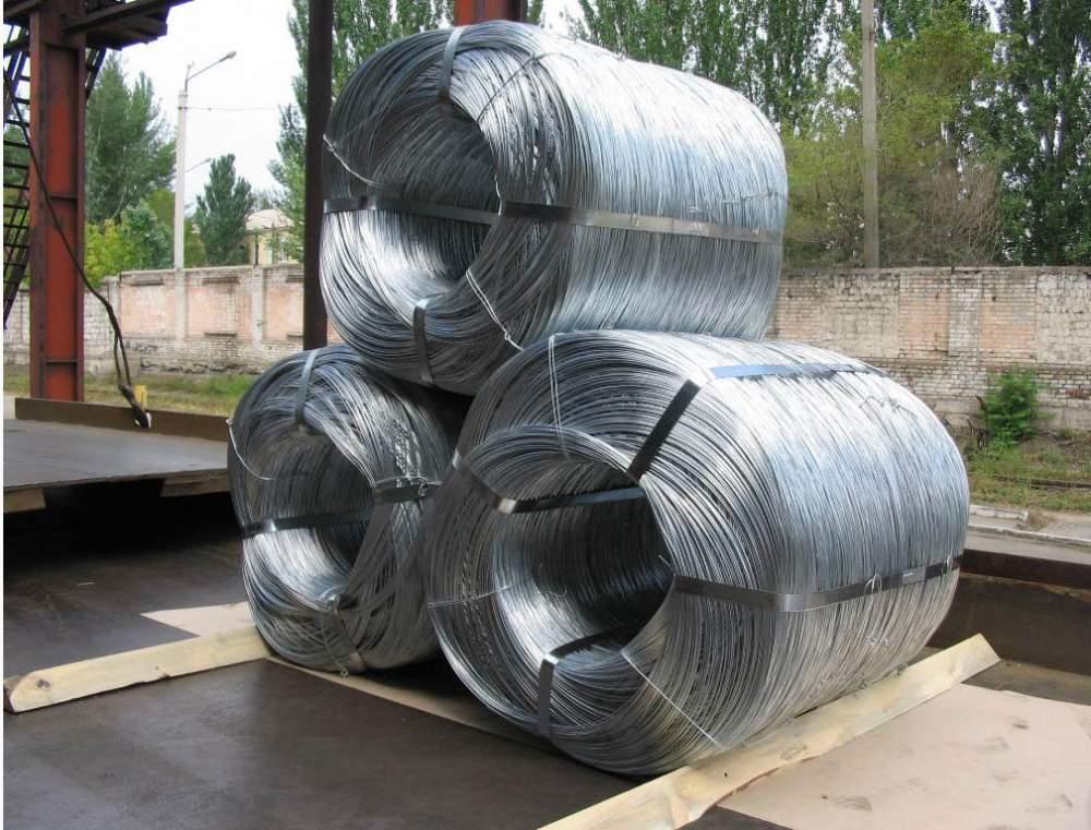 Низкоуглеродистая оцинкованная проволока мягкая, с пределом прочности  340 – 550 Н/мм² по ГОСТ 3282-74.
