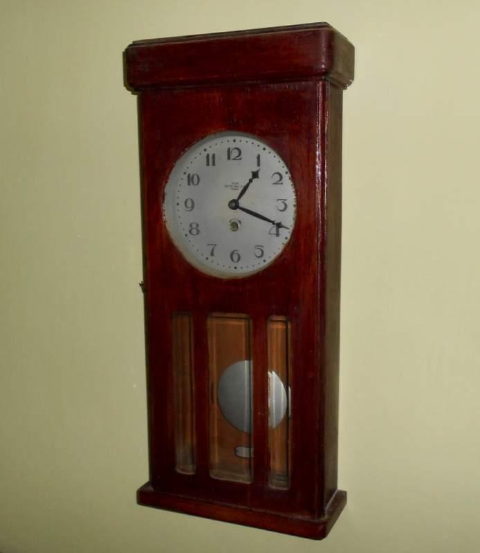 Маятниковые часы продать часы tissot б у продать