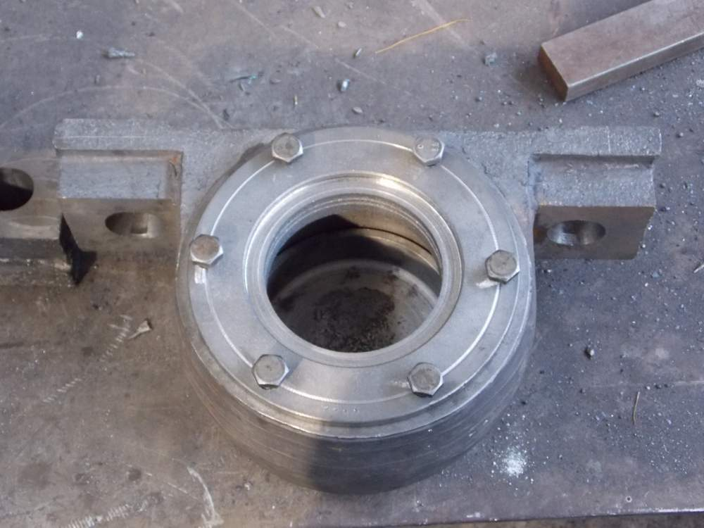 Bearing case assembled