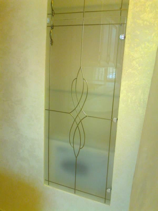 Двери стеклянные, работы любой сложности связанные со стеклом: полки, столы, двери, потолки. По Украине заказы принимаются оптовые, так же Одесса и область