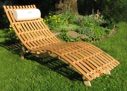 Лежак садовый деревянный