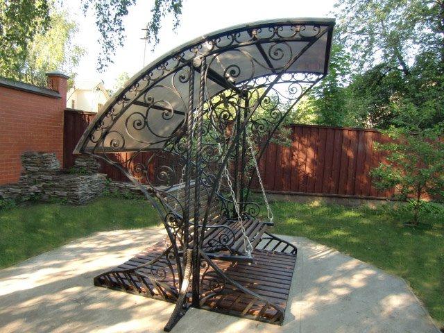 Купить Мебель садово-парковая кованная: кованые столы, кованые скамейки, кованые качели