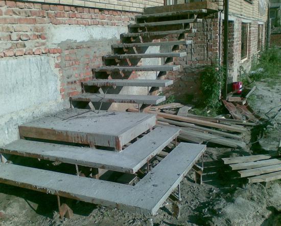 лестница уличная в дом фото