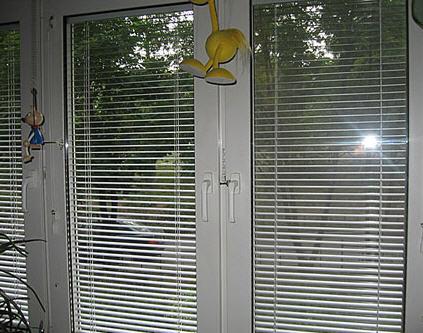 Цены на жалюзи на пластиковые окна фото рулонные шторы на пластиковые окна фото установка