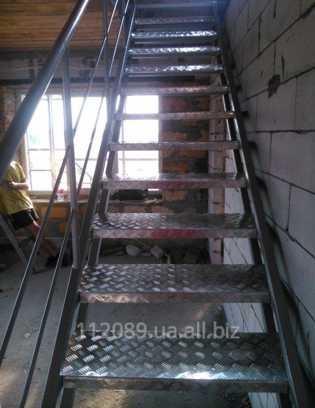 Лестница внутренняя цельносварная