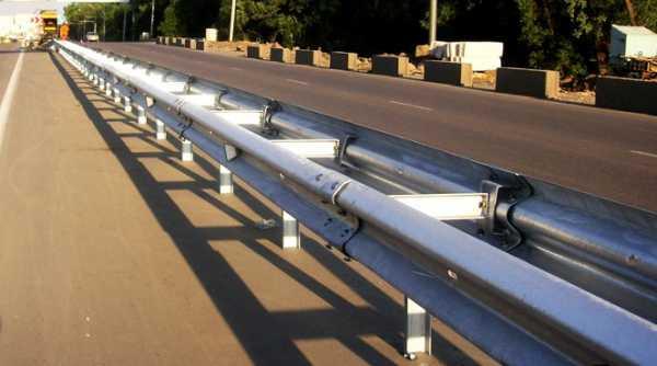 Купити Огородження дорожні бар'єрного типу