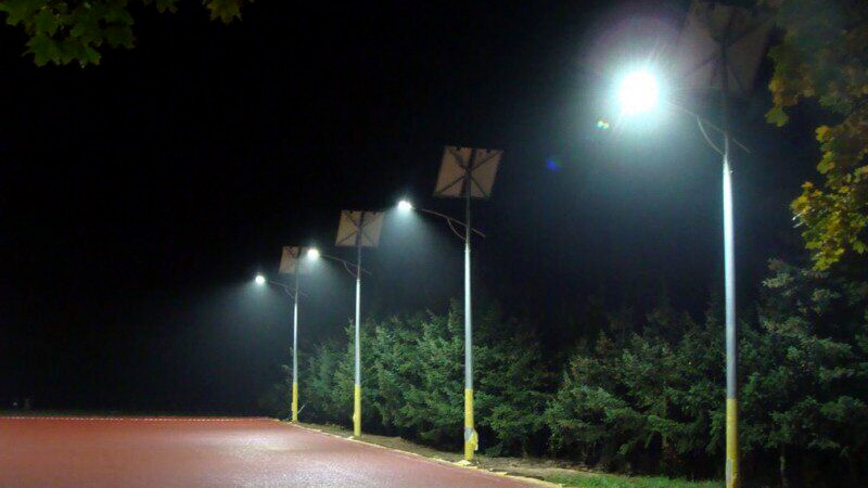 Купить Автономное уличное и парковое LED освещение