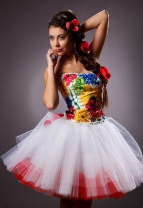 dc545b8dd990d54 Выпускное корсетное платье в этническом стиле с росписью в технике  холодного батика.