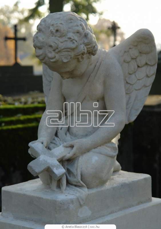 Купити Пам'ятники ( з натурального каменю й бетонні в асортиментах), виготовлення, установка, обкладка плиткою